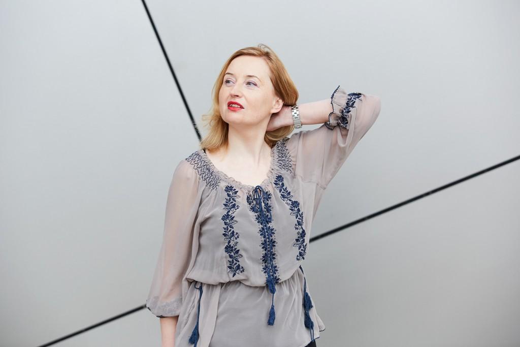 blouse in pastel colour